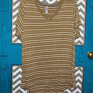 LuLaRoe 2xl Christy T. Gold and white stripes